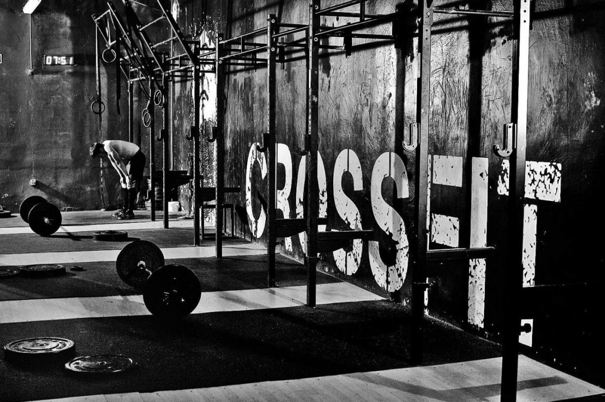"5 ""Crossfit"" workouts to try in a regular gym"